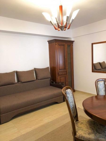 Apartament 2 camere, mobilat, zona strazii Bucuresti.