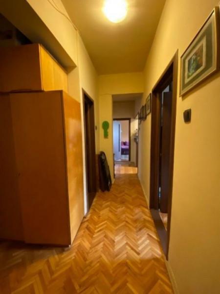 Apartament 3 camere decomandat, Ultracentral, parcare