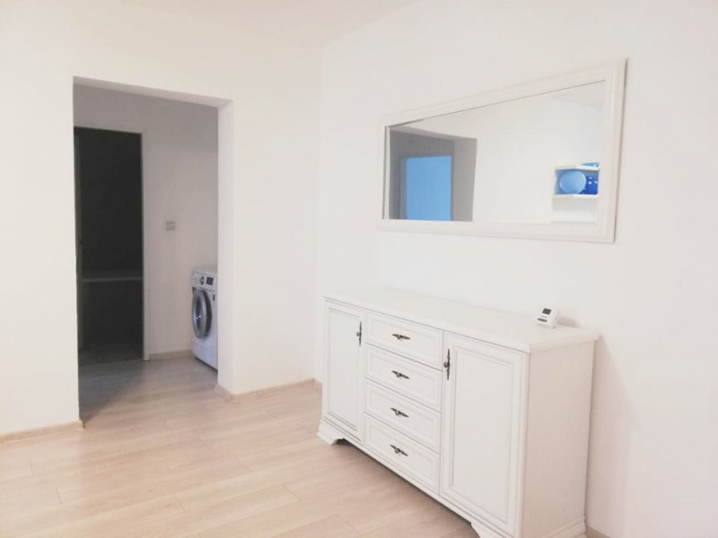 Apartament 2 camere nou, prima inchiriere, parcare, zona Horea.