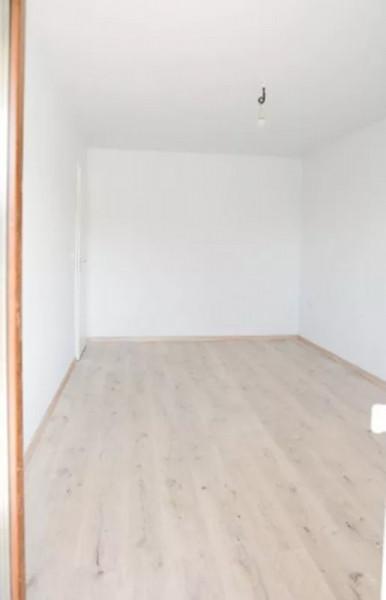 Apartament 3 camere, finisat, etaj intermediar, zona strazii Fagului.