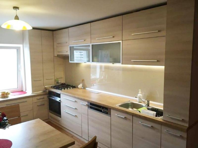 Apartament 3 camere decomandat, finisat, zona strazii Tasnad, cartier Manastur.