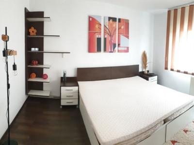 Apartament 2 camere decomandat, etaj intermediar, zona Piata Marasti