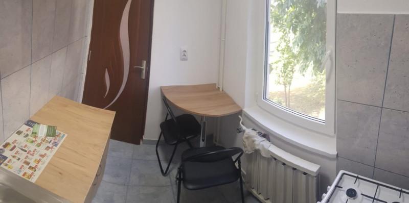 Garsoniera renovata, etaj 1