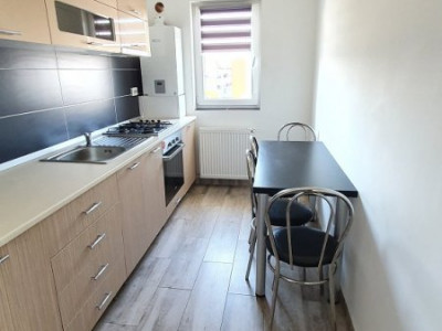 Chirie apartament 2 camere, decomandat, strada Cetatii