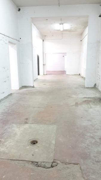 Vanzare spatiu industrial si birouri