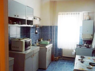 Apartament 3 camere, etaj intermediar, Marasti