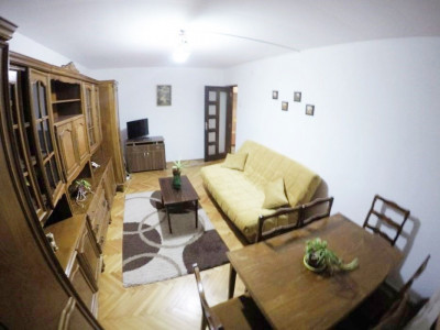 Apartament 2 camere, decomandat, parcare, cartier Gruia