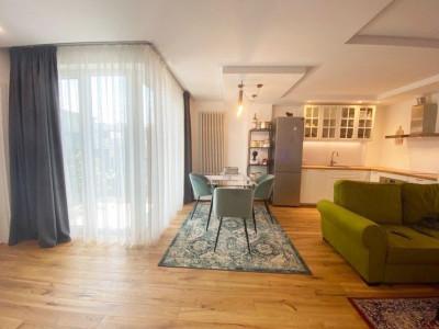 Apartament 2 camere, ultrafinisat, imobil nou, zona Parcul Central.