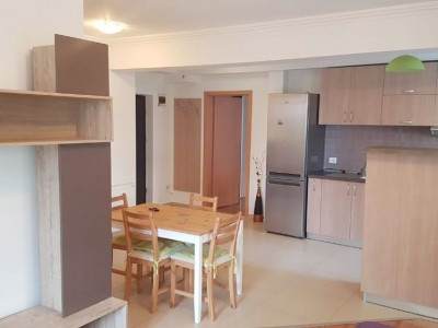 Apartament 2 camere, parcare, terasa 30 mp, cartier Borhanci.