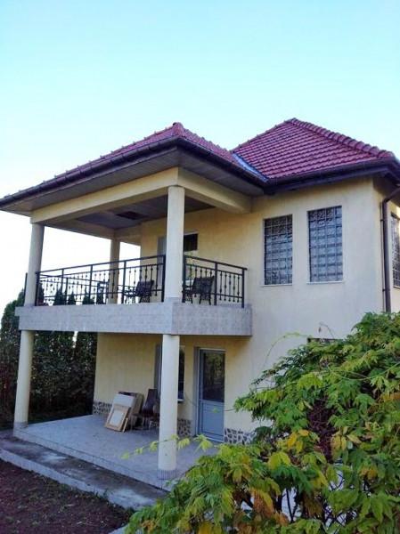 Casa de inchiriat, 5 camere, zona Andrei Muresanu