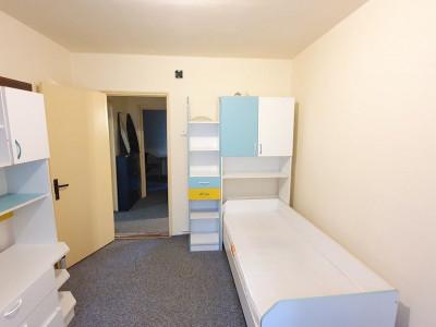 Apartament 3 camere, zona Profi, etaj 1, cartierul Grigorescu