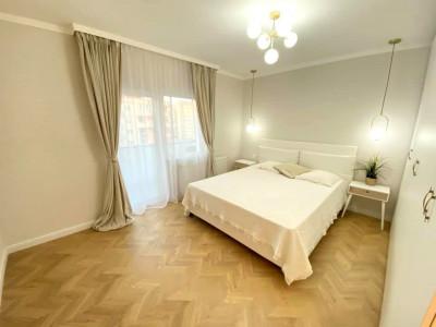 Apartament 3 camere, decomandat, ultrafinisat, zona strazii Dorobantilor.