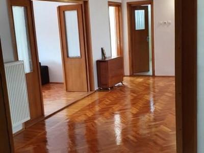 Apartament deosebit, Piata Engels, cartier Andrei Muresanu
