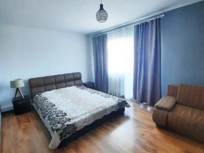 Apartament 3 camere, zona Intre Lacuri
