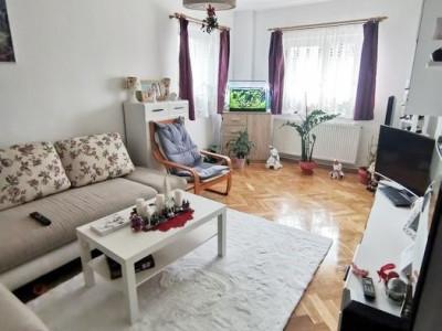 Apartament 4 camere, decomandat, etaj intermediar, Calea Floresti.