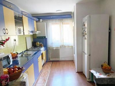 Apartament 3 camere, decomandat, zona Kaufland Marasti.