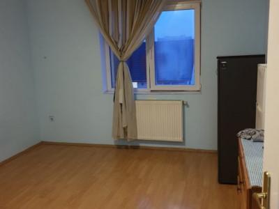 Apartament 2 camere, decomandat, zona Iulius Mall