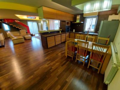 Apartament 4 camere, deosebit, in zona excelenta