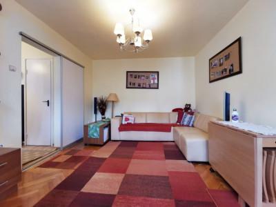Apartament 4 camere, etaj intermediar, cartier Manastur.