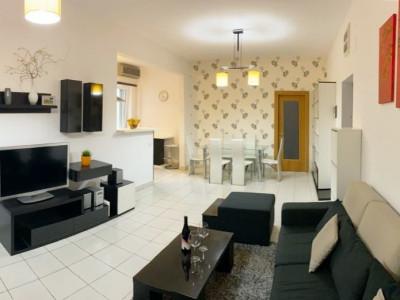 Apartament 2 camere, etaj intermediar, zona Sala Sporturilor.