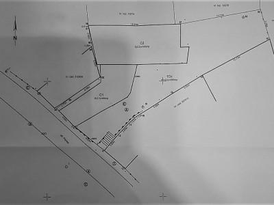 Vanzare teren cu casa demolabila, zona centrala