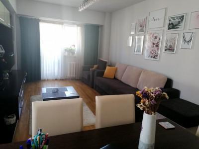 Apartament 2 camere, decomandat, etaj intermediar, zona Omv Marasti.