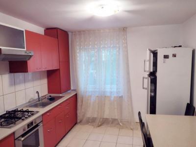 Apartament 3 camere, decomandat, zona foarte buna, cartier Marasti.